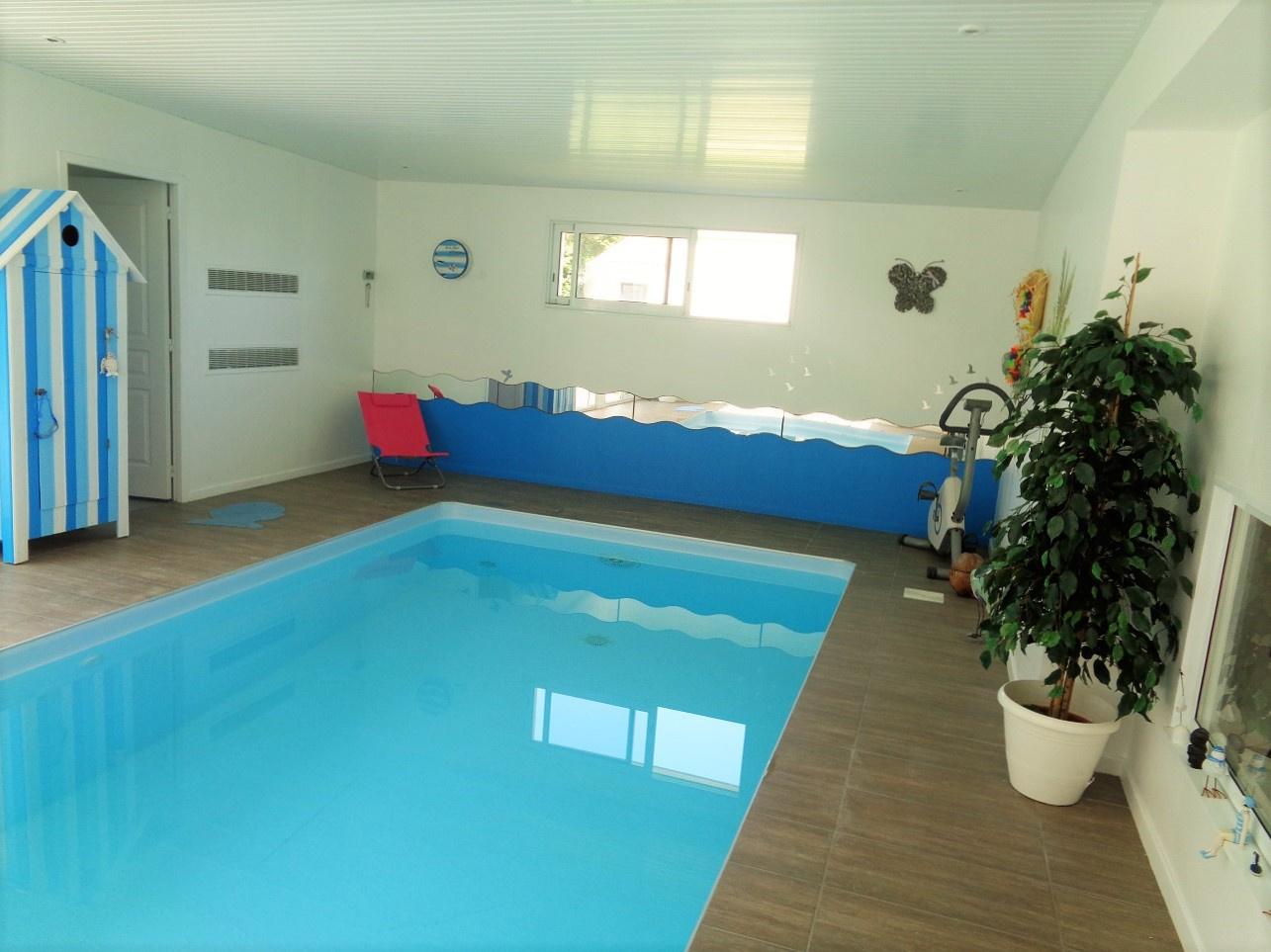 Vente maison 245m avec piscine sainte foy for Piscine interieure maison prix